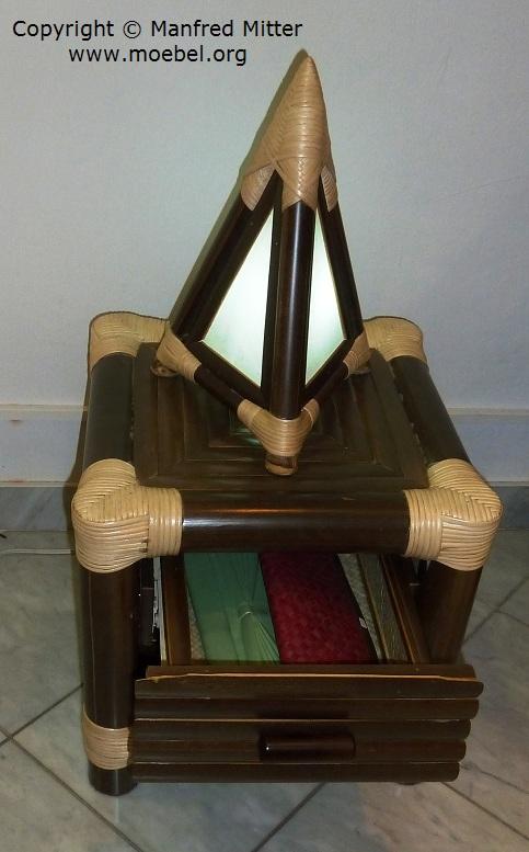 nachttisch bzw nachtk stchen aus schwarzem bambus mit lade. Black Bedroom Furniture Sets. Home Design Ideas