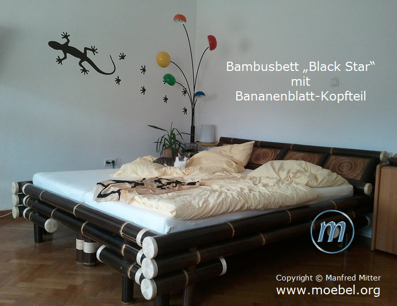 bambusbetten aus schwarzem bambus betten mit bananenblatt. Black Bedroom Furniture Sets. Home Design Ideas