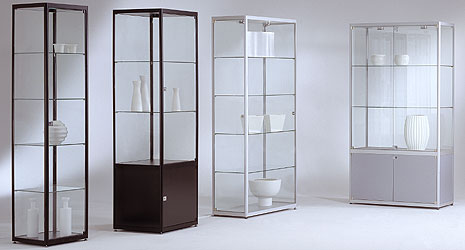vitrinen glasvitrinen glas alu vitrinen. Black Bedroom Furniture Sets. Home Design Ideas